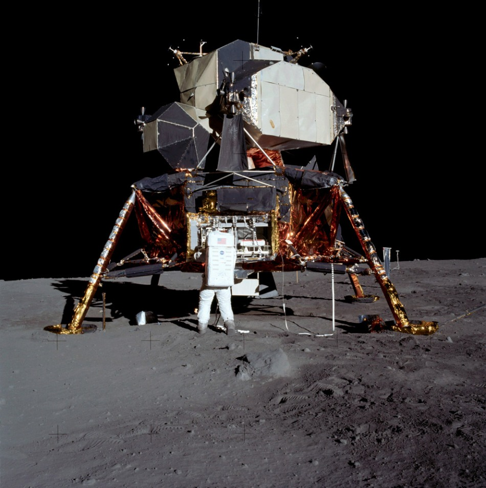 man-on-moon-aldrin_full